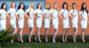 hostessy w białych sukienkach
